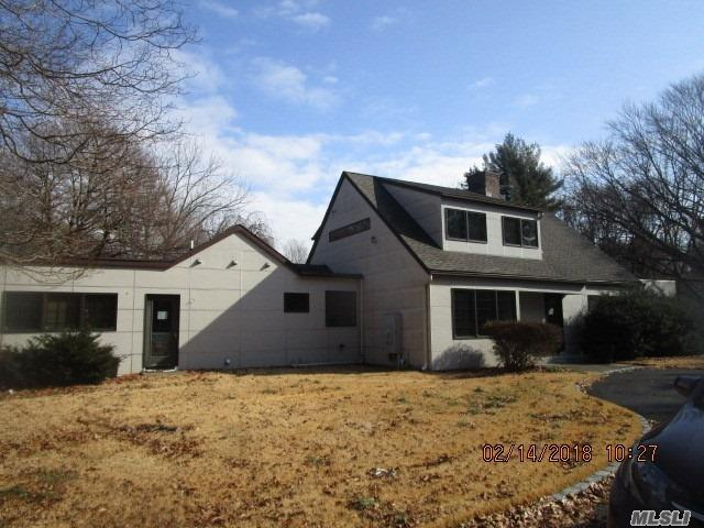 Great Opportunity To Own This Spacious, Contemporary, Shy 2 Ac, Detached Cottage, Heated Pool. Has Lots Of Potential . Jericho School District