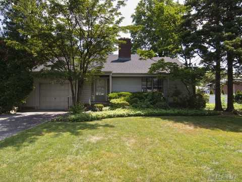 Renovator's Dream!Boulevard Location!Fix-Up Or Tear Down.  3Bedrooms, 2 Baths, Large Prop.