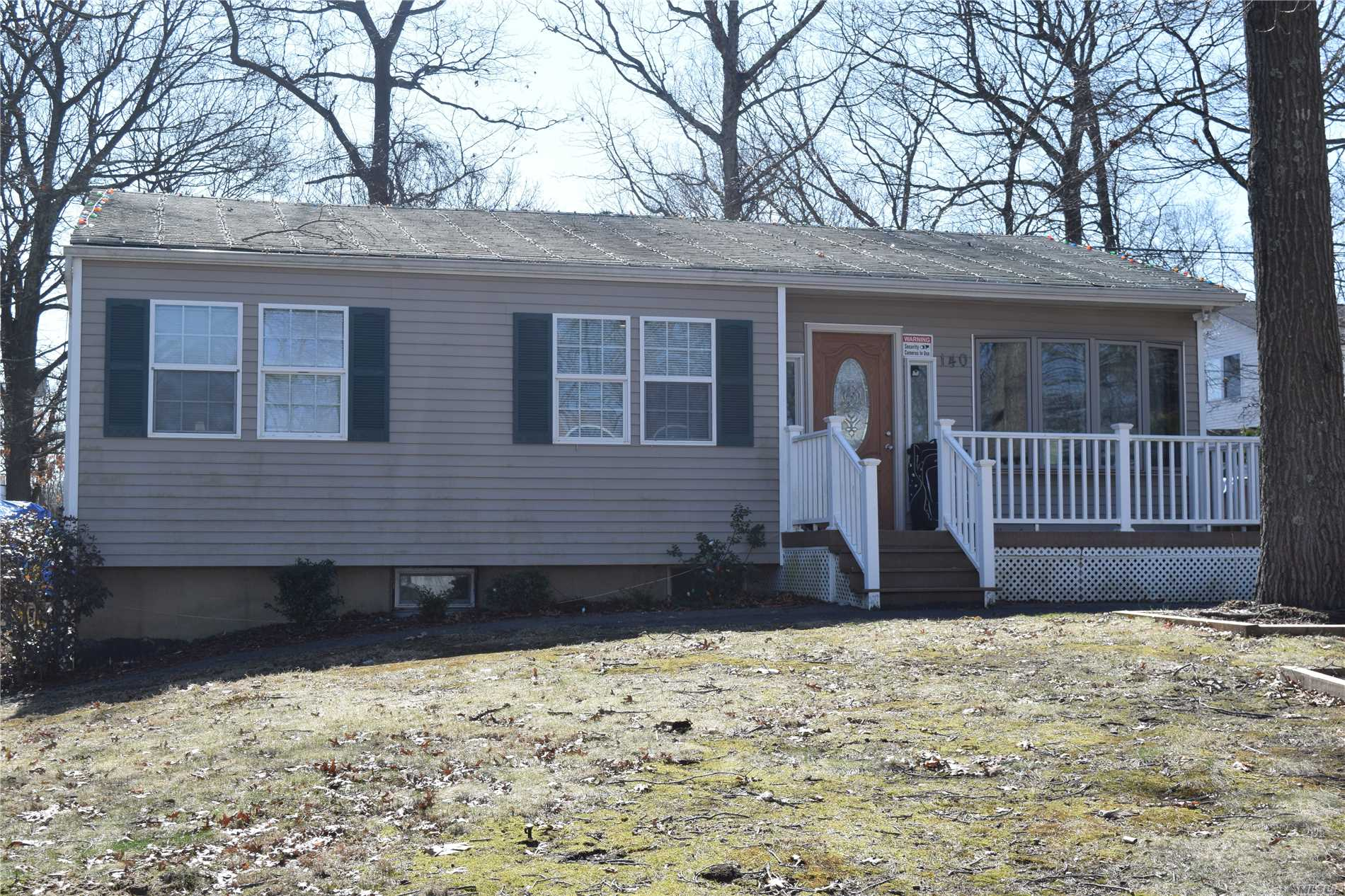 Spacious 4 Bedroom, 2 Bath Ranch, Large Property, Close To Shopping, Finished Basement W/Exit To Yard. Recently Renovated Kitchen & Basement, Hardwood Floors. Low Taxes.Taxes W/Star $7, 108.68