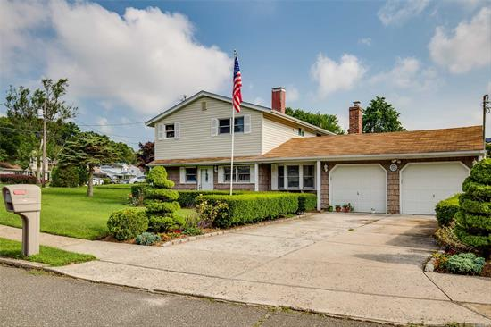 Welcome Home! You Will Love All This Home Has To Offer: Large Living Room/ Dining Room (Great For Entertaining), Large Eat-In Kitchen With Stainless Steel Appliances, Great Den With Gas Fireplace, 2 Car Garage, Cac, Gas Heat And Cooking....So Much House For The Money!