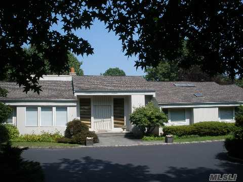 Magnificent Sprawling Ranch Convenient To All - Located In Beautiful West Hills. Walk To Park. Enjoy Nature. 5 Minutes To Parkway. Pool & Tennis Court. Great Open Floor Plan Perfect For Entertaining. Spacious Lower Level With Sliders To Yard. Impressive Country Club-Like Street Located In The Middle Of Horse Country. This Home Has So Much To Offer, Come See!