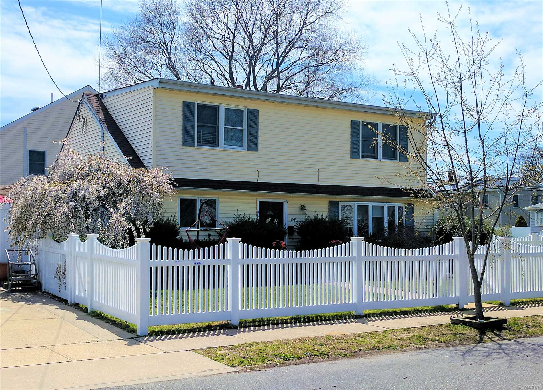 Updated Expanded Ranch - Massapequa Schools, 23, Birch La Elemen. Move Right In! Many New & Updated Features Inc: Large Custom Solid Wood Eik W/Gas Cook, Quartz, Toe Kick Heat, Smart Fridge & Much More, Updtd Fbath,  New Fbath, Roof, Siding, Windows, 2Z Gas Heat, 200 Amp, Igs, Floors, Doors, Moldings, Lighting, Huge Shed, Etc... Fully Fenced Yard W/Convenient Access To Stores & Library. Lots Of Storage!