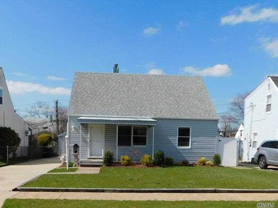 Cozy And Clean Starter Home Near All Shopping, Transportation & Schools In The Prestigious Hewlett Woodmere School District.