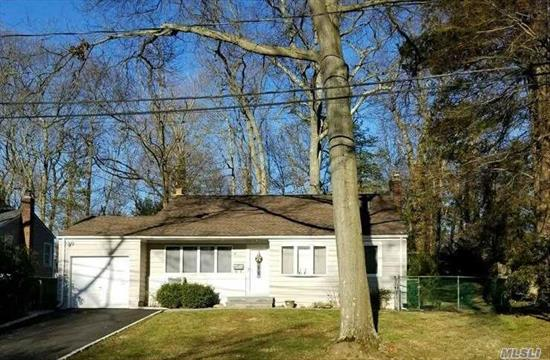 Beautiful Home In Convenient S.Huntington, Spacious Open Lr, Ss Appliances, Hardwood Floors Thru-Out,  Large Family Room With Fireplace & Ose To Park Like Setting Backyard, Smart Thermostats, New Driveway With Belgium Block, Roof Less Than 5 Yrs Young With Transferable Warranty.