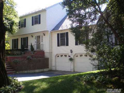 Impeccable Munsey Park Colonial, Four Bedrooms And 2-1/2 Baths. Fabulous First Floor, W/ Oversized Dr/Lr, Fam. Rm. And Eik. Full Beautifully Finished Basement W/ Wet Bar. Large Private Park-Like Property With Koi Pond And Slate Patio.