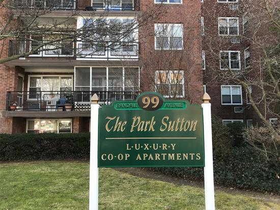 This Lovely Co-Op W/ Hardwood Floors & Plush Carpet Is A Must See Property. It Boasts Of A Large Bdr, Eik W/ Stainless Steel Appliances, Lr Which Leads Into A Dr Or Office Area And Terrace. Amenities Include: A Large Indoor Pool & Sauna On The Main Level. Washer/ Dryer On Each Floor., All Types Of Transportation Including Lirr, Nautical Mile, Freeport Recreation Center & Shopping Galore.