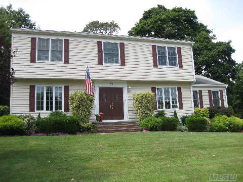 Completely Updated Ch Col With Lg Famrm & Fpl Off Ctr Island Eik, All 4 Bdrms On 2nd Floor Spacious Entry Foyer, Easy Walk To Town & Train Station