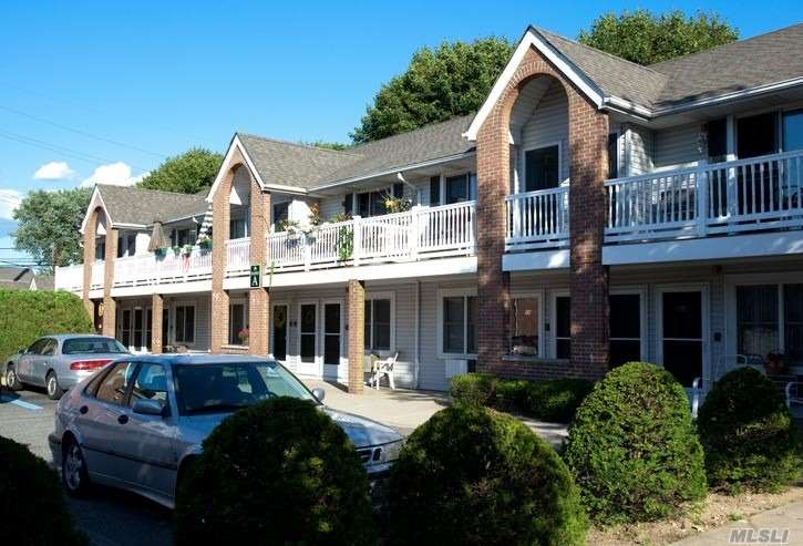 Luxury 1 Br Apartments For Those Aged 55 And Better. Spacious Floor Plan With Carpeting. Updated Kitchens. Free Clubhouse And On-Site Laundry Facility. Private Entry. Patio Or Terrace. Relaxing Park-Like Courtyard. Convenient To Sunrise Highway & Southern State Pkwy. Near Shopping.