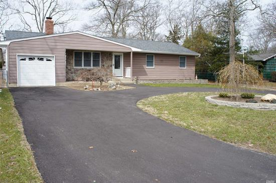 Diamond Ranch In Holiday Beach, Beautiful Beach And Boating Community Perfect Home For Easy Living. This Beautiful 3 Bedr, 2 Ba Home Features Gourmet Kitchen With Granite And Stainless Appliances, Hardwood Floors, Brick Fireplace In Living Room. Dining Rm, Family Rm With Sliders To Back Yard. New Roof, Heating & Hot Water Tank, New Circular Driveway. Finished Basement And Large 1 Car Attached Garage. Nothing To Do But Unpack And Enjoy The Large Multi-Level Deck And Lower Patio. You're Home!