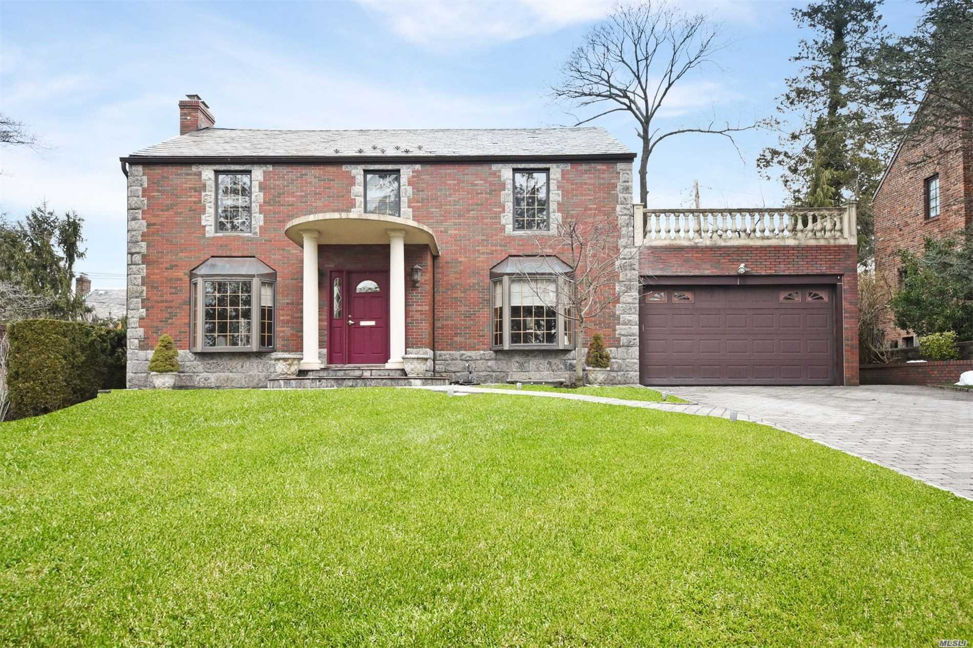 Estate Sale ! Beautiful Brick Ch Colonial, Rebuilt & Extended In 2004. Like New! Possible 4th Br W/Proper Permits. Fin. Bas./ Tiled Floor, Playrm / Hardwd Flr. Msuite/Jacuzzi. Kit/Island. Mud Rm, Cac, Alarm, Oversized 1 Car Gar/ Tiled Floor. Within Close Proximity To Strathmore Vanderbilt Country Club Which Offers Tennis, Pool, Restaurant And Summer Sport Program.