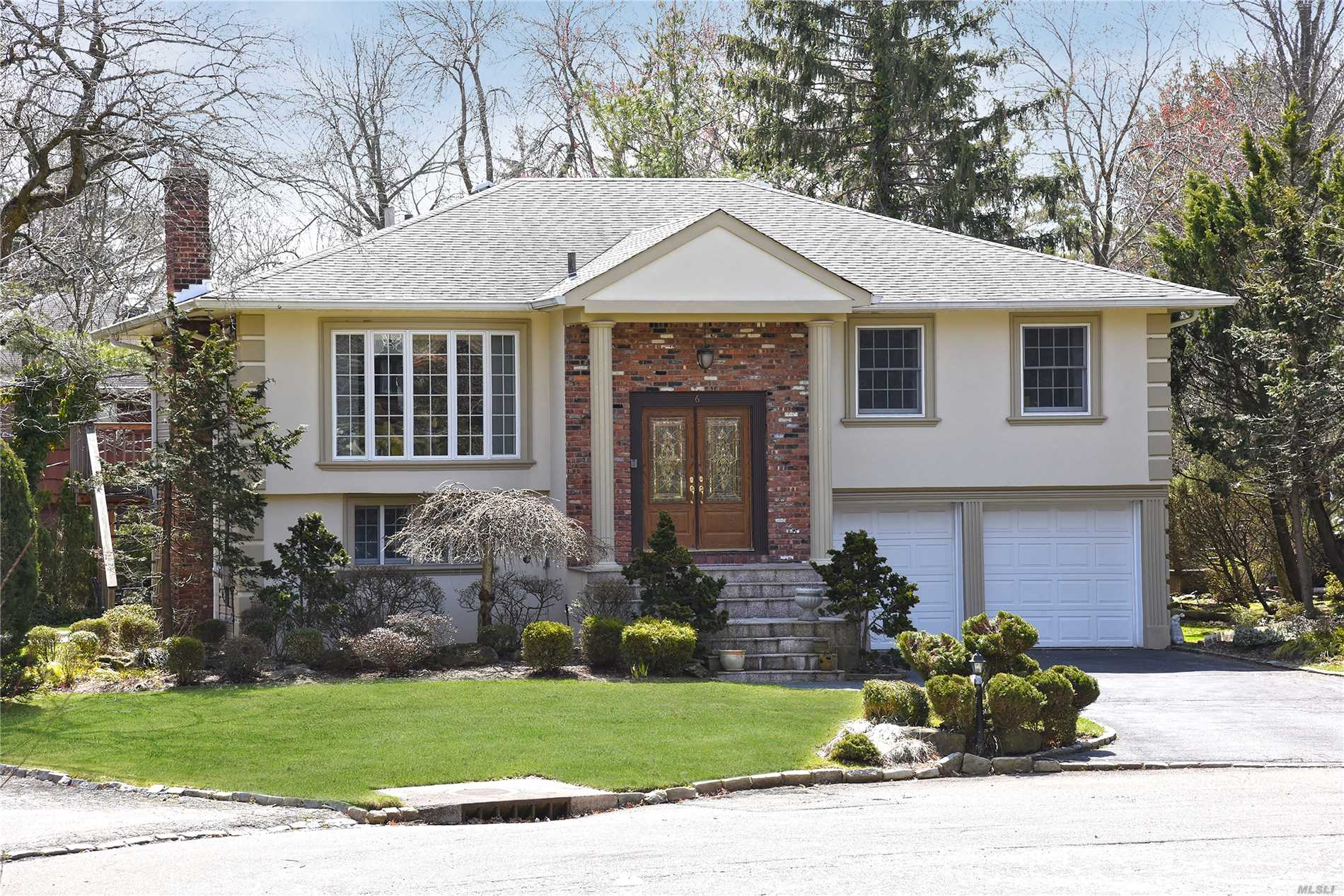 Lovely Updated Wide-Line Hi-Ranch In Searingtown. Superior Location, Cul-De-Sac, Updated And Well Maintained. Herricks School District.  ** As Per Owner New Assessed Value For 2018/2019 Will Be 1, 416. Present Taxes Are $21, 809. But Using New Assess Value Of 1416 Taxes For This Year Would Be $19, 500. (Please See Attached Tax Grieved Letter.)