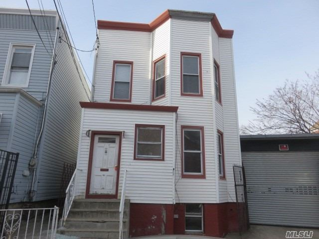 4 Bedroom Duplex In A Great Location. House Needs A Full/Complete Rehab.
