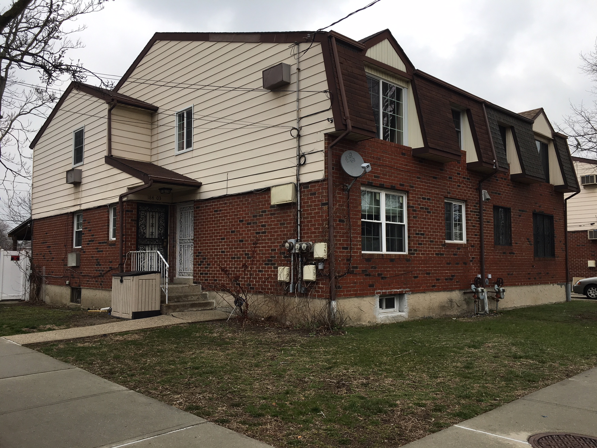 Wonderful 2 Family House In Springfield Gardens For Sale. Both Floors Feature Living Room, Formal Dining Room, Eat-In-Kitchen, 3 Bedrooms And 1.5 Bathrooms. Full Finished Basement. Hardwood Floors Throughout. 8 Car Parking. Great Location And Great Opportunity!