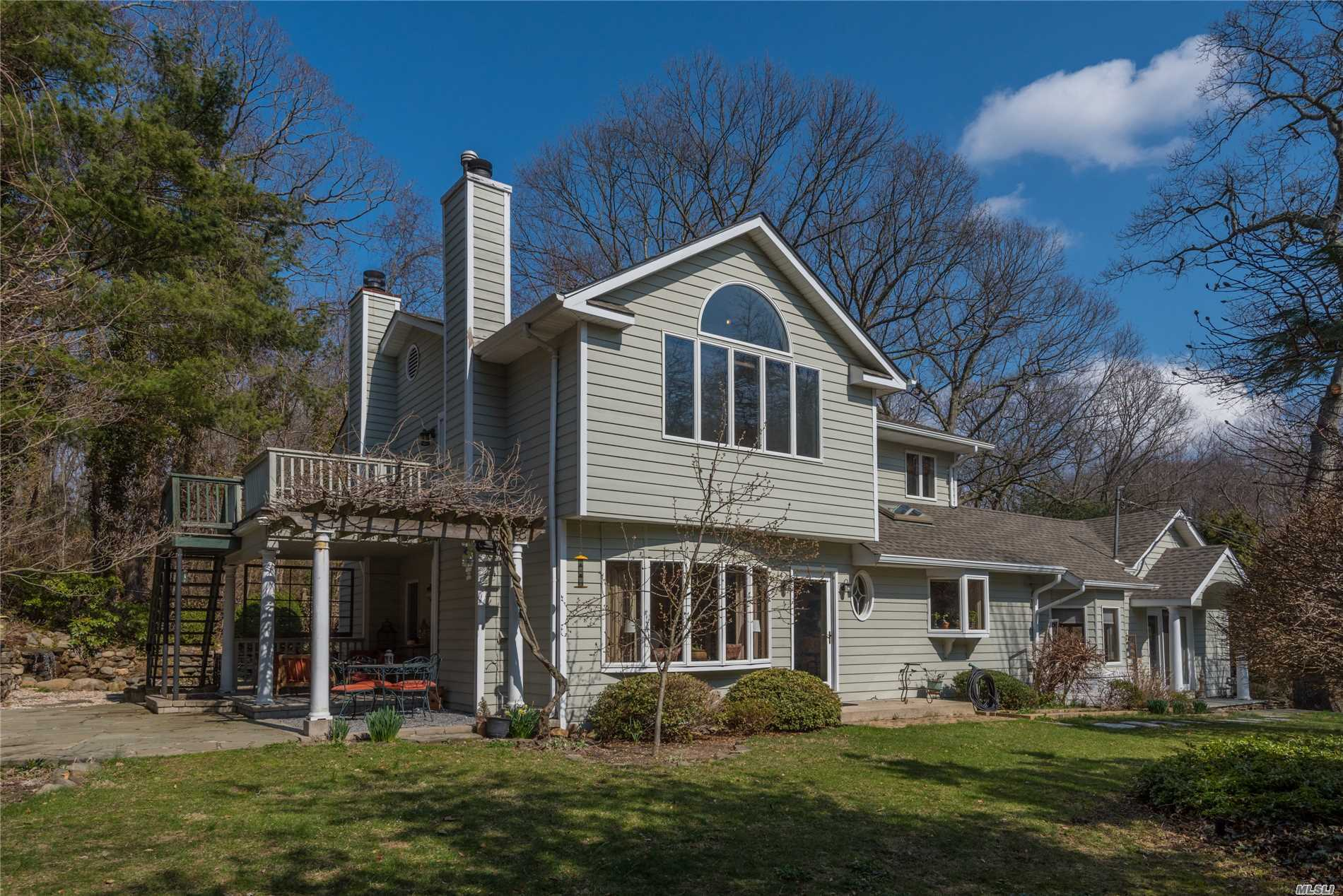 Gorgeous 3-Br, 3.5 Bth Colonial On .56 Acre. Light/Bright/Spacious W/Cathedral Ceilings And Charming Details. Great Rm W/Wood Floors, Walls Of Windows & Wet Bar. Upd Oak/Granite Kitchen W/Professional Grade Ss Appls. Spacious Fr W/French Door & Fpl. Mstr Br, W/Full Bth, Wic & Deck. Updates Incl: Eik, Bths, Andersons, Cac, Cvac, Gas Boiler/Hw Heater, Roof, Igs & More! Several Patios. Private Yard. Be The Proud Owner!