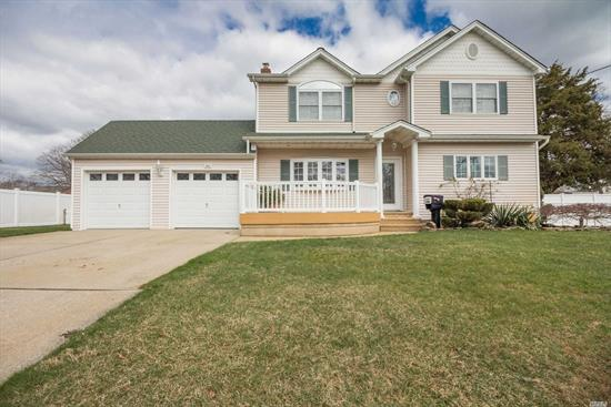 Beautifully Appointed 4 Br, 3.5 Bth Expanded Cape On Double Lot! 1st Fl Is Handicap Accessible! This Home Is Truly Special, Entertainer's Delight. Additional Features Include, Flr, Eik, Den, Office, In-Ground Sprinklers, Cac. Too Much To List. Won't Last!