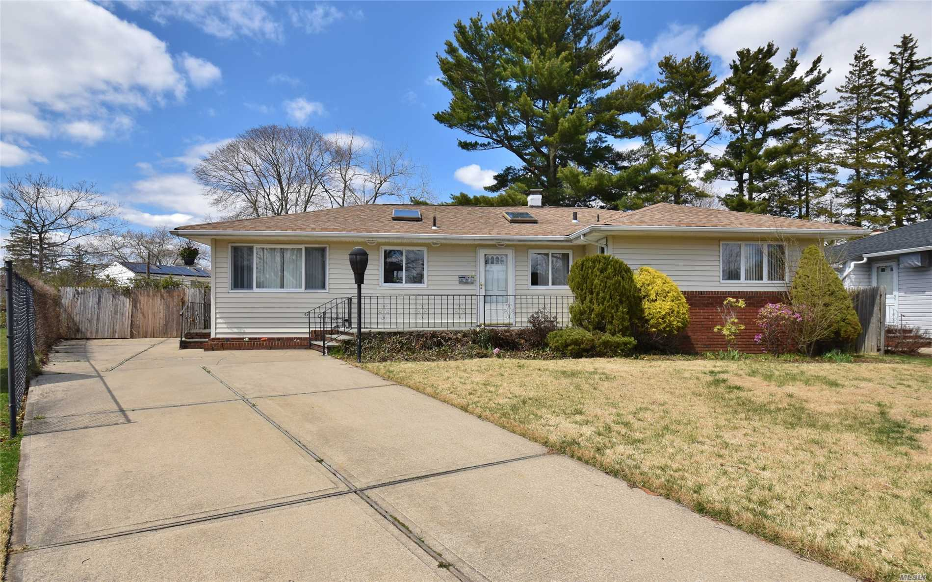 Absolutely Magnicent Ranch Style House On A Dead End Cul De Sac. Great Location. No Car Through Traffic. Close Proximity To Great Shopping, Worship, Long Island Expressway, Northern St Parkway, Seaford Oyster Bay Expressway. 10 Minutes To Lirr This House Has Great Sunlight. Offers An Oversized Backyard. It Also Offers A Legal Mother Daughter Apartment. Bring Mom And Dad,  Low Taxes, Less Then 11, 000 With Star Without Mother Daughter. Award Winning Plainview Old Bethpage Schools.