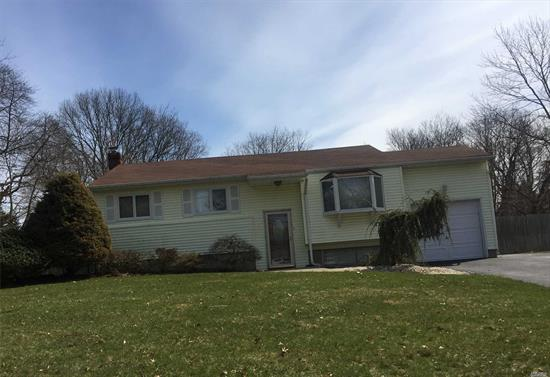 Fantastic Hi Ranch Property Features 3 Bedrooms, 2 Full Baths, Eik, Living Room , Den And Dining Room. Unbelievable Condition, With Beautiful Hardwood Floors And Great Size Bedrooms. Don't Miss Great Opportunity House Shows Beautiful.