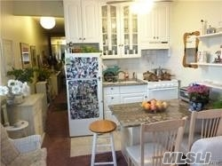 Upper Level 1st Unit Adorable Beach Side 1Br, 1 Bth, Liv Rm W/ Ocean Views With Beautiful Sunsets & Sunrises Outer Balcony Area, 1 Parking Spot, Bbq Area, Utility Rm, Bike Rm,  Steps To Beach, Surfers Paradise