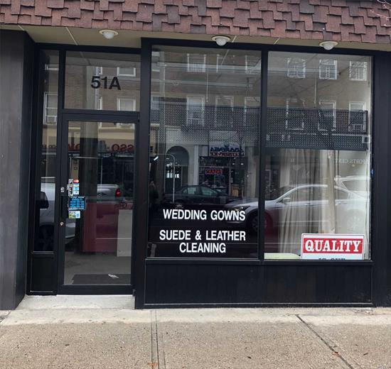 Terrific Opportunity To Customize Business/Office Space That Is Located One Block From Lirr Station. Approx 970 Sqft Plus Basement Storage. Front (Main St) And Rear (Public Municipal Parking Lot) Entrances.