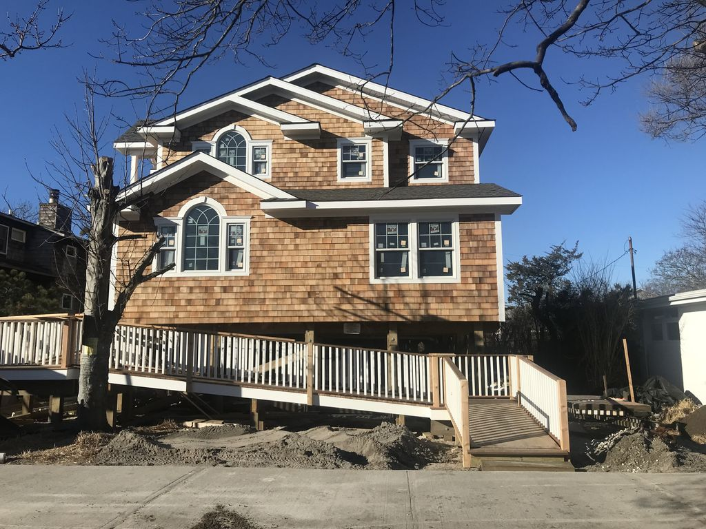 Beautiful brand new home on one of Ocean Beach's best blocks.  Prime location south of Midway!  50' X100' lot.  Large home with swimming pool.  Great layout with luxurious master suite.  Plenty of room for the whole family!