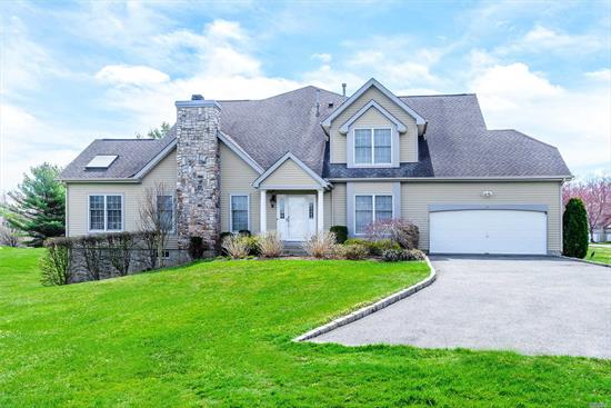 Lattingtown Ponds Gated Community. Beautiful Colonial Offers 5 Bedroom, 4 Full Baths, Two Master Suites, Main & Second Floor. Walk Out Finished Lower Level. 63Acre Community, Community W/Pool, Tennis & Club House. Public Golf Across The Street.