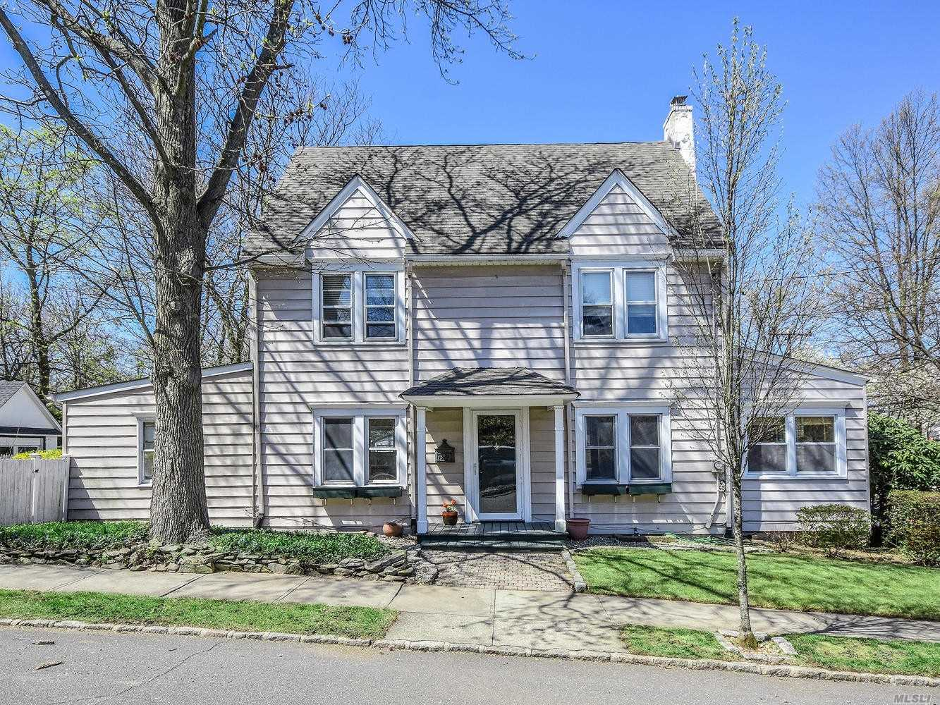 Stately Center Hall Colonial In The Desirable Park Section. Living Room W/Fplc, Formal Dining Room, Office, Den. 1/2 Bath And Eik.