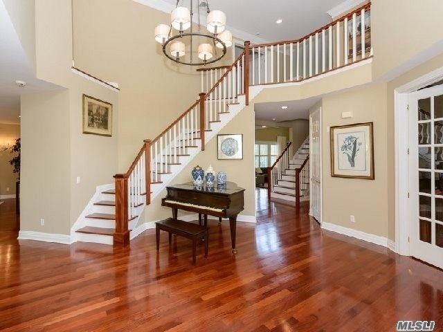 6000Sf Livable Space Have You Ever Seen A House For Rent Like This? A State-Of-Art Stunning Luxurious Residence In An Exclusive Gated Community And Positioned Perfectly In A Private Courtyard, This Impressive Brick Colonial 'Eagles Crest' Is Graced With Grand Scale High-Ceilinged Rooms Enhanced By Classic Architectural Elements, Elegant Moldings, Superior Craftsmanship. Manhasset School.