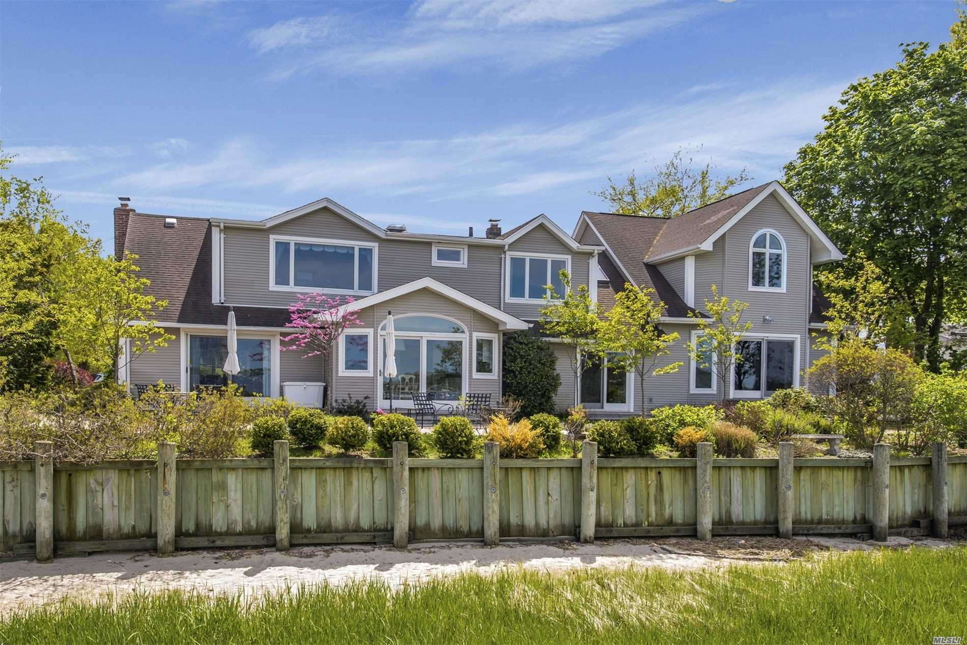 Fabulous 4 Bedroom Home Directly On The Water. New Terraces And Plantings Make It A Perfect Summer Destination. Water Views Over Oyster Bay Harbor From All Rooms. New Eik. Make Every Day A Vacation In This Special Home. Get In Before The Summer!!