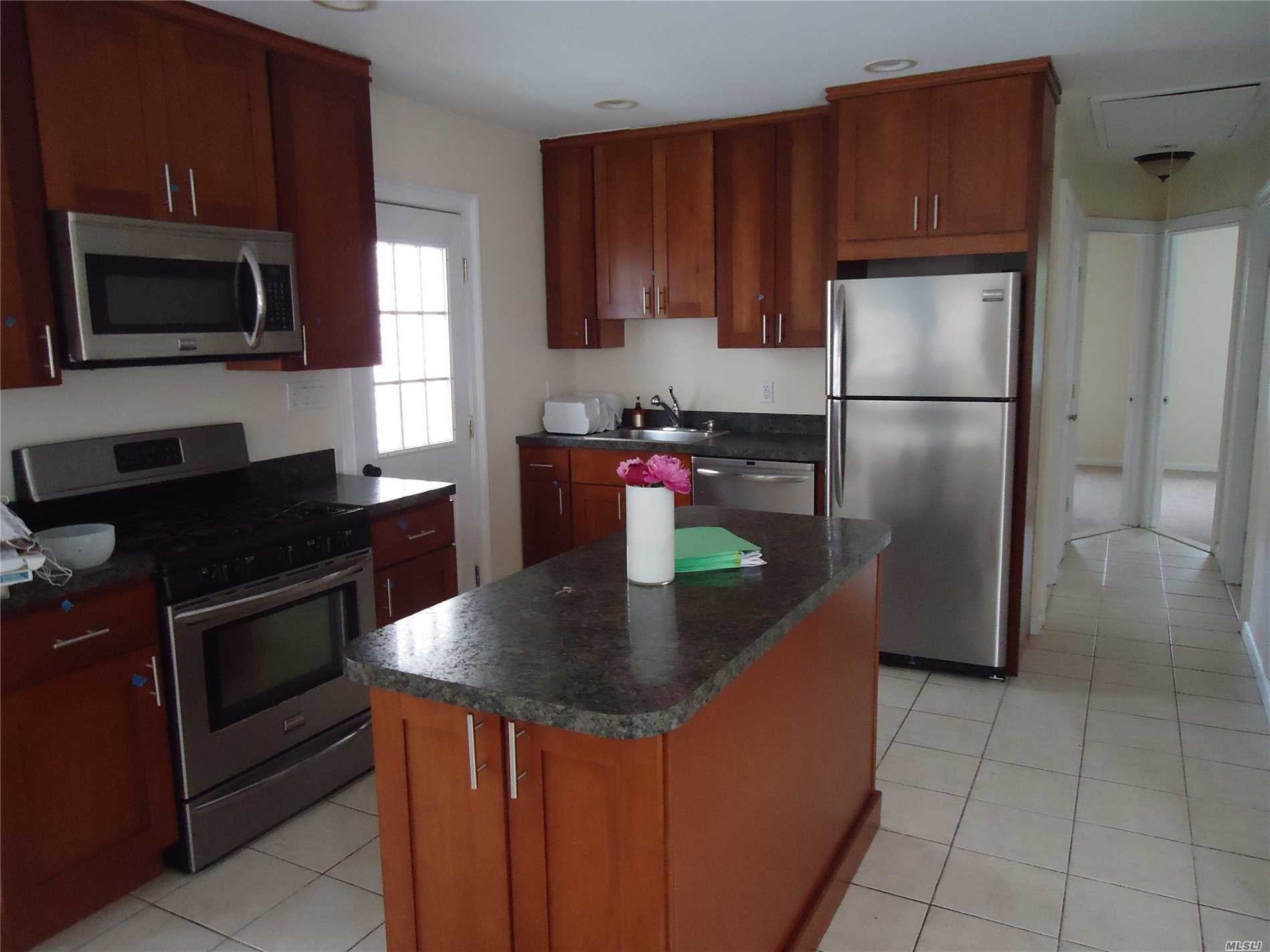 3 Bedroom Whole House Rental Offering Living Room/Diningroom, Full Bath, Kitchen, Washer/Dryer, Front Porch, And Large Back Yard, Private Beach.