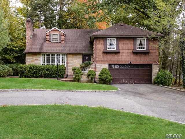 Incredible Opportunity! Bright And Spacious, 4 Bedroom 3 Bath Split In A Cul-De-Sac In The Village Of Great Neck. Over Half An Acre Of Beautiful Property. Convenient To Parks, Schools, Transportation, And Shopping. Great Neck North Sd #7.