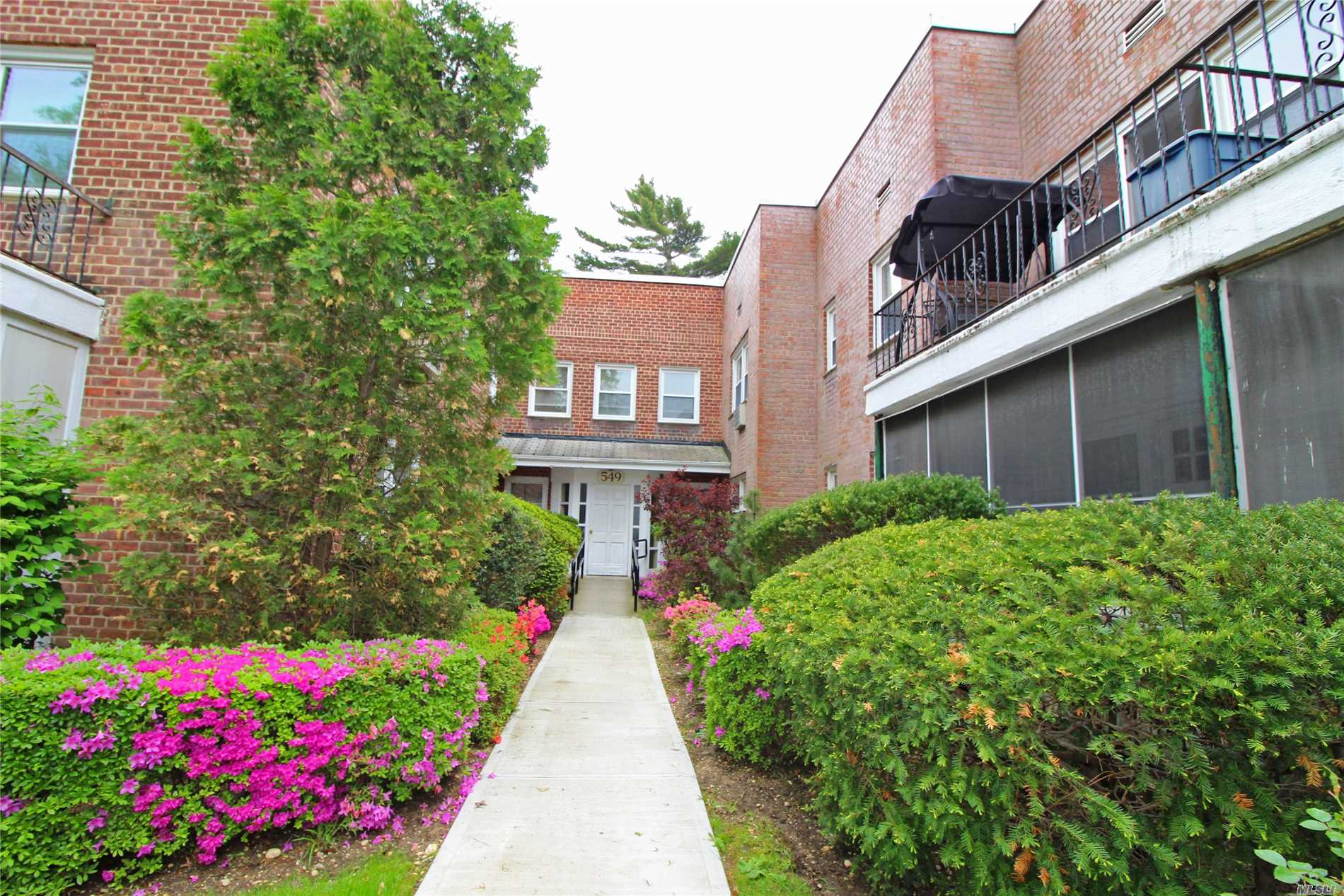 Updated First Floor Apartment In The Center Of Cedarhurst. New Kitchen With Washer/Dryer Hook Up. Large One Bedroom With Enclosed Porch That Can Be Used As A Second Bedroom. X Large Living Room And Dining Room. Close To All! Low Maintenance. Move Right In!