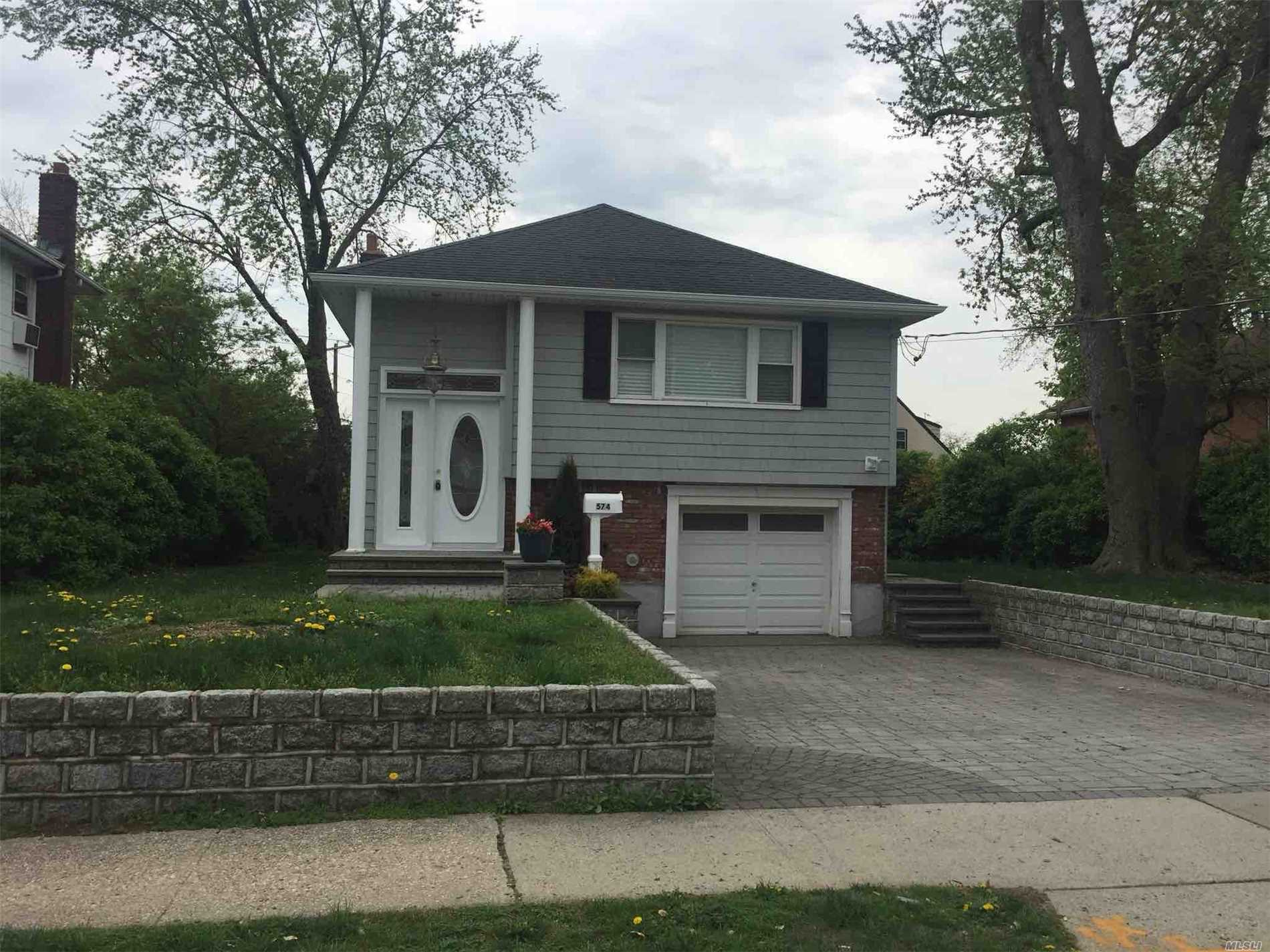 Move Right In To This Renovated Hi Ranch Style Home. New Beautiful Kitchen And Baths. Stainless Steel Appliances. New Boiler And Hot Water Tank. Property Completely Renovated From Top To Bottom. Centrally Located To All. Don't Miss This Opportunity!