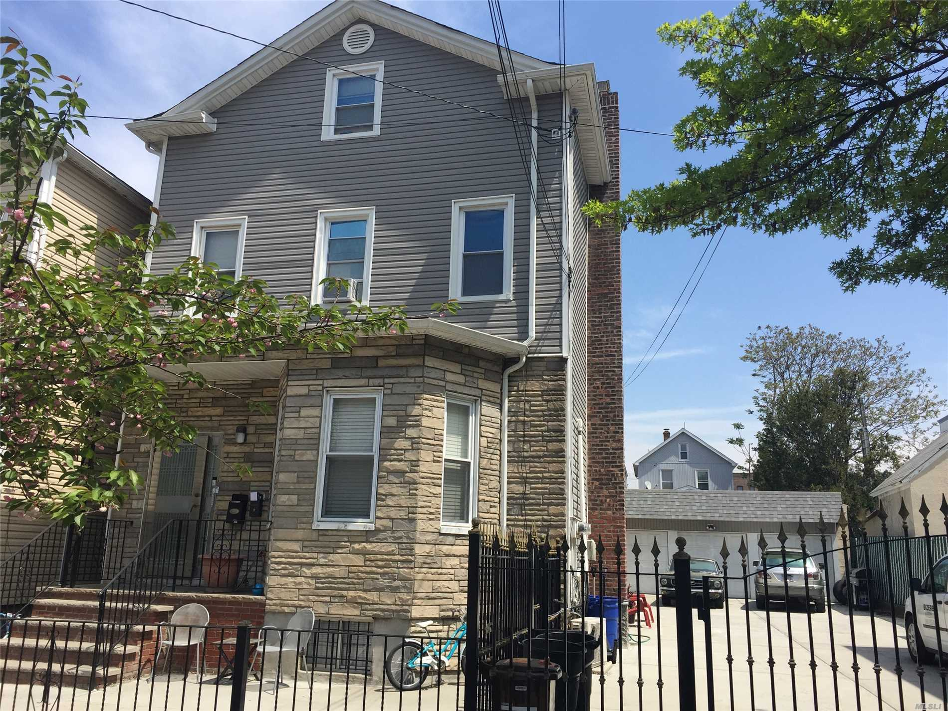 Superb 2 Family In Great Location.. 3 Car Garage 2 Bedrooms 1550 + 100 Parking.. 2 Bedrooms 1500