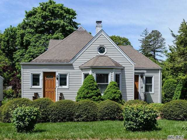 Charming Cape Offers Living Room With Gas Fireplace, Formal Dining Room, Eat-In-Kitchen, 2 Bedrooms, Full Bath And Screened In Porch On First Floor. Upstairs Is An Additional Bedroom, Full Bath, Study Area, Detached 2 Car Garage Locust Valley School Dist, Bayville Beach And Mooring, Not In Flood Zone