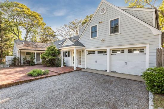 Waterfront Oasis In Lovely Red Cedar Point. Enjoy The Bay Breezes And Have Fun In The Sun In This Spectacular Peconic Bay Home. Large Home With Six Bedrooms And Four Bathrooms. Room For The Whole Family In One Of The Best Locations In The Hamptons.