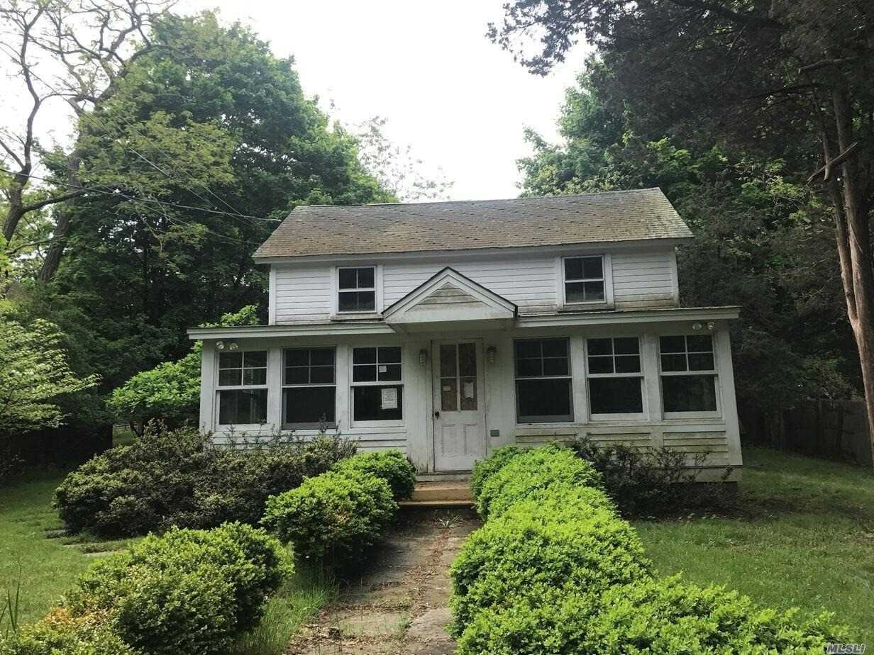 Cottage Style Home Features 2 Bedrooms And 1 Full Bathroom, Sits On A Large Lot Of 1.10 Acres, Living Room, Kitchen, Full Basement And Front Porch.