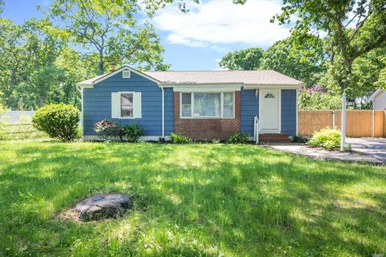 This Lovely And Freshly Painted Home Located On A Dead End Street Features 3Br W/ New Carpeting, Lr W/Newer Hw Floors, Eik, Full Bath, Finished Basement W/Full Bath, 4 Very Large Rooms W/Egress Window And Plenty Of Counter Space W/Bar Sink. Fenced In Yard.