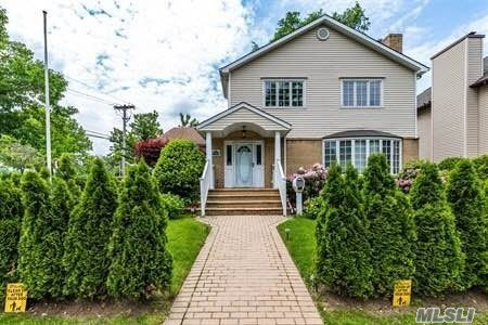 Park View!!!, 2004 Built, Excellent Condition, Beautiful Layout, 4 Bedroom, 2 Living Room, 2 Dinning Room, Eat In Kitchen, 3 Full Bathroom, High Ceiling, Convenient Transportation, #26 School District, Must To See!!!