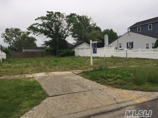 Sandy Damaged Home That Has Been Demolished. All Utilities Were On The Property But Have Been Disconnected Due To The Demolition. Land Is Diagonal From A Canal. Land Is Also Being Offered As New Construction, See Mls # 3019579 For Details.