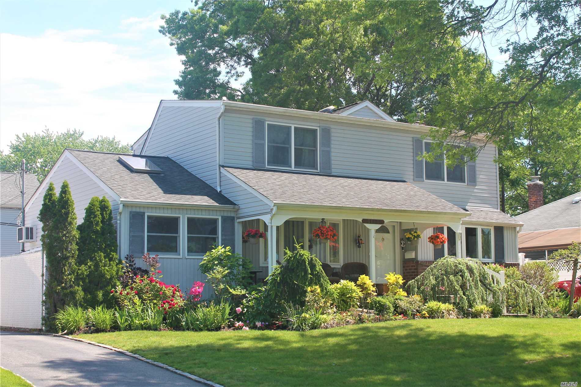 **Just Reduced** Start With An Inviting Front Deck Nestled In A Well Manicured Property To Lead You In To This Large Updated Home Boasting Space Galore. Inside You Will Find A Granite Topped Kitchen, Large Master Suite With Enormous Walk-In Closet As Well As Added Den With Fpl. An Office/ 4th Br Opens To Sliding Doors To An Open Deck With Built In Bbq, Det Garage/Workshop And Whole House Generator Included. Too Much To List, Come See It.