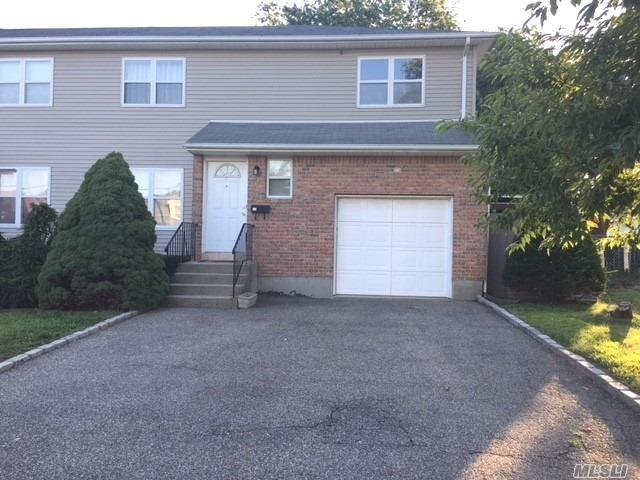 Well Maintained Duplex On A Low Traffic Street. Comfortable Living With Formal Living And Dining Areas And Large Eat In Kitchen, Complete With Master Suite And 2 Additional Bedrooms, 2.5 Baths, Central Air And 1 Car Garage. Large Fenced In Yard, Landscaping Included. Close To Trains And Shopping.