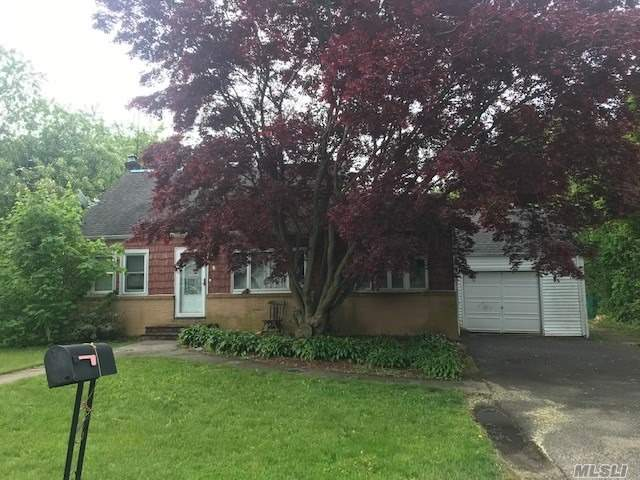 5 Br, 3 Baths, Lr, Eik, Full Finished Basement