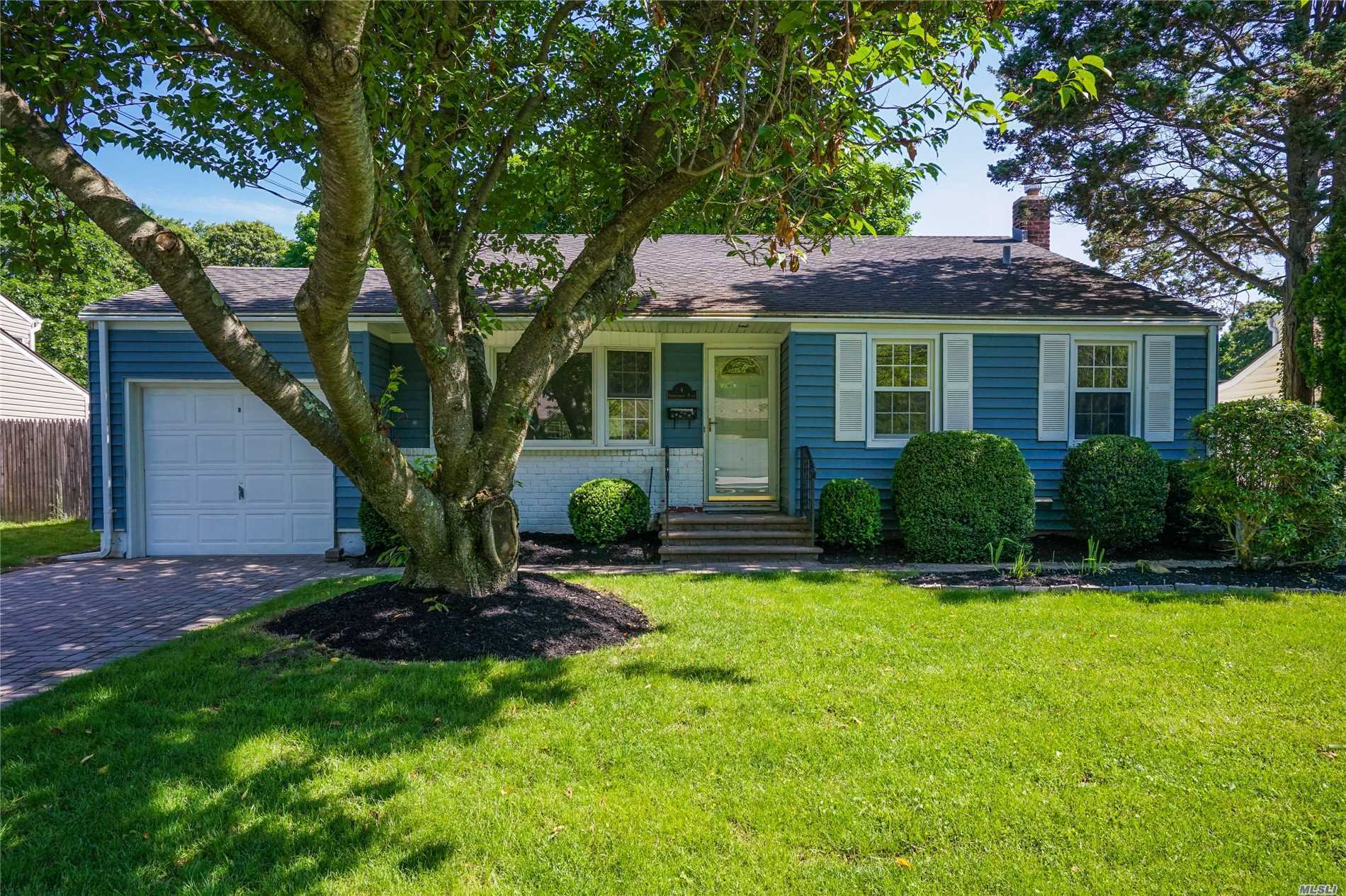 Entertainers Delight! Great 3-Bd, 1.5-Bth Split W/Country Club Backyard! Living Rm W/Cathedral Ceiling & Mini Split A/C. Eik W/Upd Appl. Family Rm W/Wood Burning Fpl. Amazing Fenced-In Backyard With Paver Patio, Built-In Bbq, Gunite Pool & Landscaping. Updates Include Windows, Doors, W/D, Boiler, Siding, Gutters, Roof, Paver Patio & More! Don't Let This One Get Away! Be The Proud Owners!