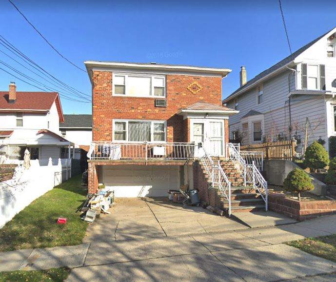 Beautiful 3 Bedrooms Apartment For Rent In Whitestone Features Living Room, Dining Room, Renovated Eat In Kitchen & 1 Full Bathroom. Hardwood Flooring Throughout. Heat & Water Included. Close To All Shops & Transportation. Ample Street Parking. A Must See!!!
