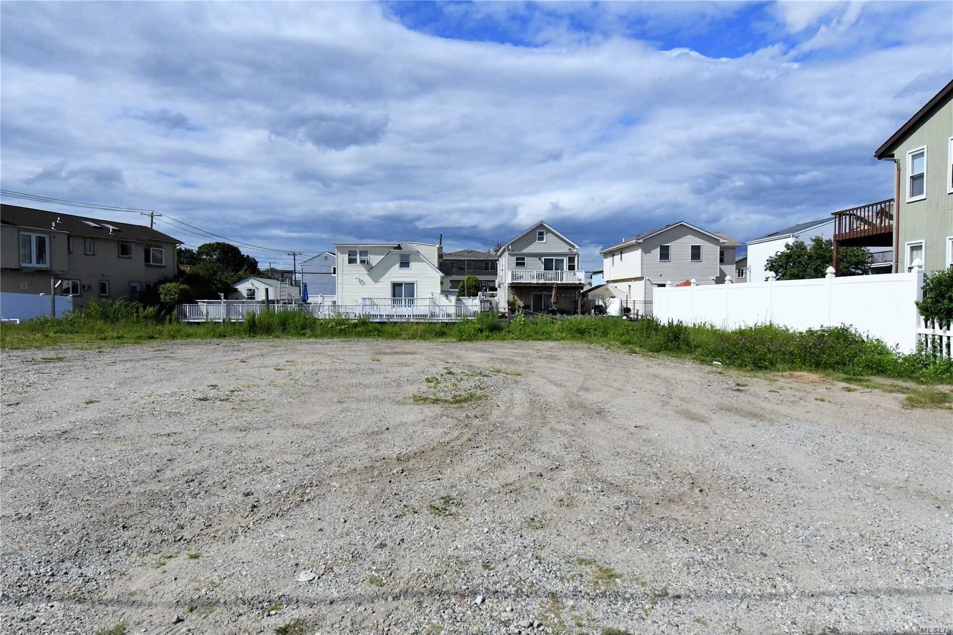 Bellmore; This Water Front 86X70 Sized Lot Is For Sale!!!