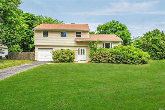 Lovely Splanch Model, Open Airy Floor Plan, Level Usable Property Set At End Of The Cul-De-Sac.