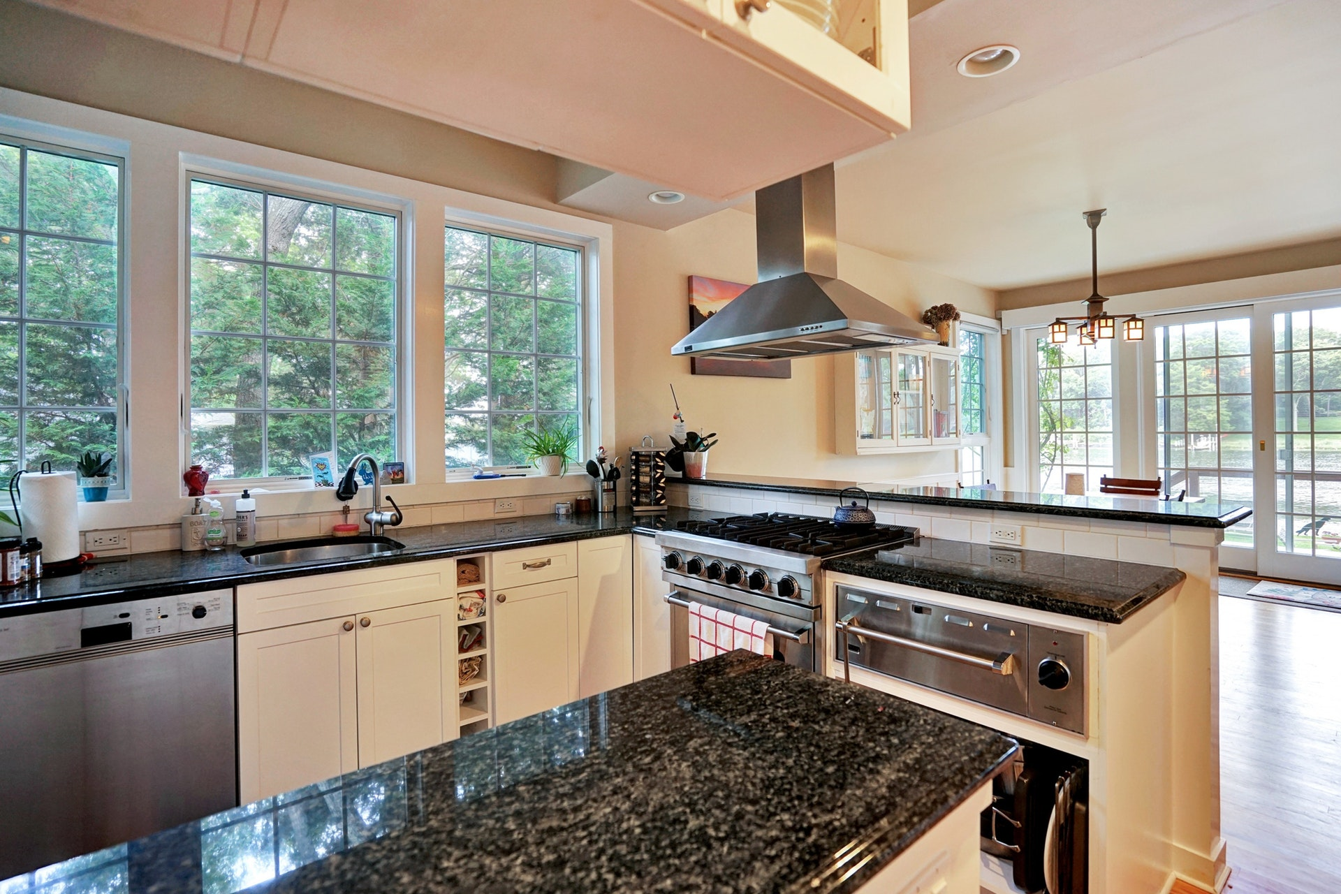Exquisite Waterfront Home With All The Amenities. Central Air, Beautiful Kitchen With Top Of The Line Stainless Appliances. Open Floor Plan With Sliders To Deck And High End Hot Tub Overlooking The Water And Deeded Dock. New Outdoor Furniture And Bbq. The Perfect Retreat! Rates Are Weekly.