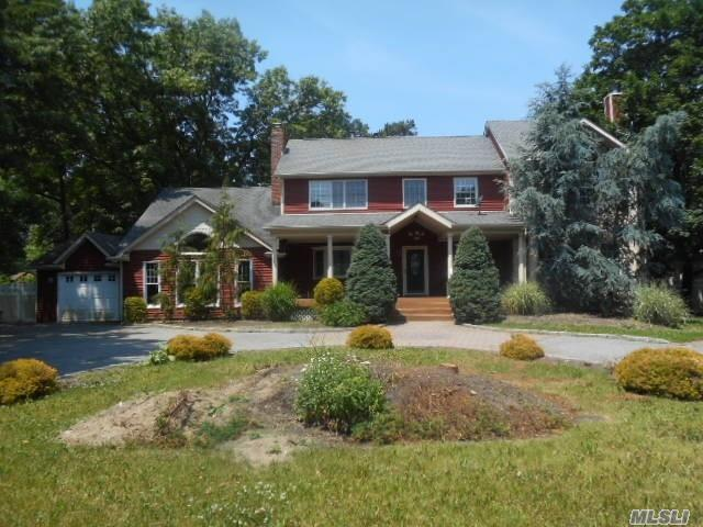 Colonial Style Home. This Home Features 7 Bedrooms, 4 Full Baths, Den W/ Loft, Eat-In Kitchen & 1 Car Garage. Centrally Located To All. Don't Miss This Opportunity!