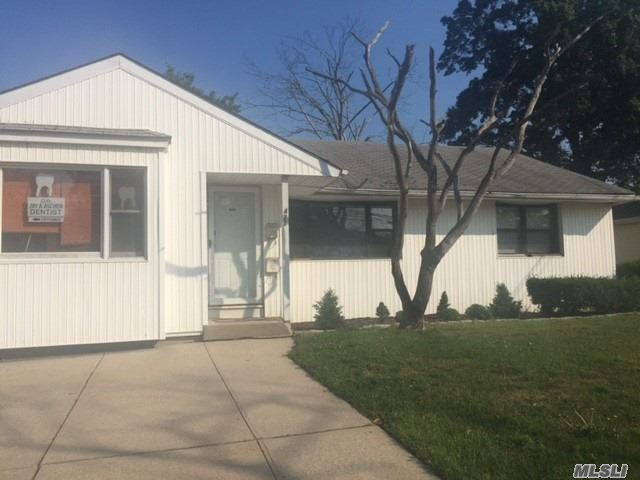 Excellent 3 Br And 1.5 Bath Ranch Home For Rent. Large Den, No Basement, No Garage, No Pets. No Smoking. Use Of Yard. Washer/Dryer. Occupancy Avail Asap. Tenant Responsible For Electric, Partial Heat, Gas, Water, And Splits Cost Of Landscaping With Landlord. Prof Doctor Office Is Attached To Ranch House With Separate Entrance.
