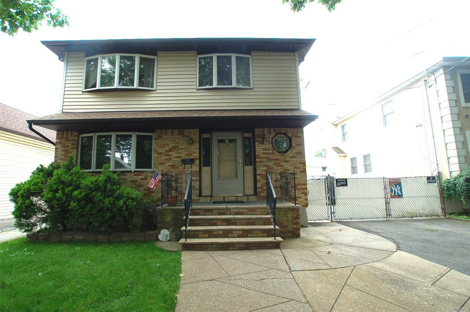 Huge Price Reduction, Owner Wants To Hear All Offers Large 2392 Sq' Of Living Space. Rebuilt In 1986. Andersen Windows, Plenty Of Room For Mom, Outside Entry. Close To All Shopping, Transportation-5 Min Walk To Lirr Station-30 Minutes To New York City.